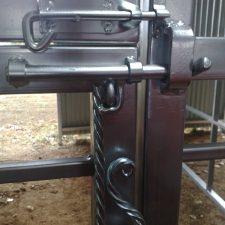 Steel-Gates-and-Fence-Creations-Tullamarine-Attwood-Campbellfield-Broadmeadows-VIChorsestablebolt