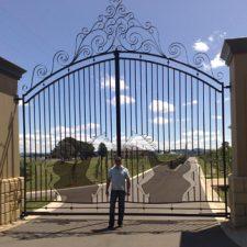 Steel-Gates-and-Fence-Creations-Tullamarine-Attwood-Campbellfield-Broadmeadows-VIChorsestudgates