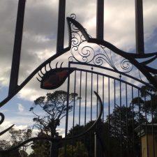 Steel-Gates-and-Fence-Creations-Tullamarine-Attwood-Campbellfield-Broadmeadows-VIChorsestudgates2